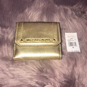 Michael Kors Hayes Trifold gold wallet